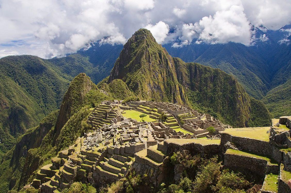 Machu Picchu organiza grupos de visitantes por horario.