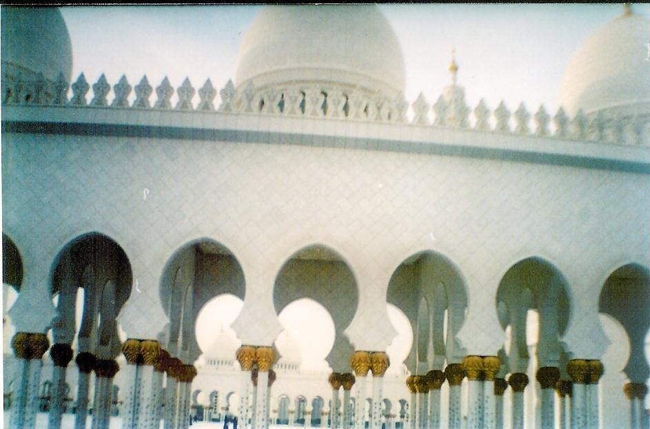 A tradição de Abu Dhabi e a exuberante Dubai - Abu Dhabi