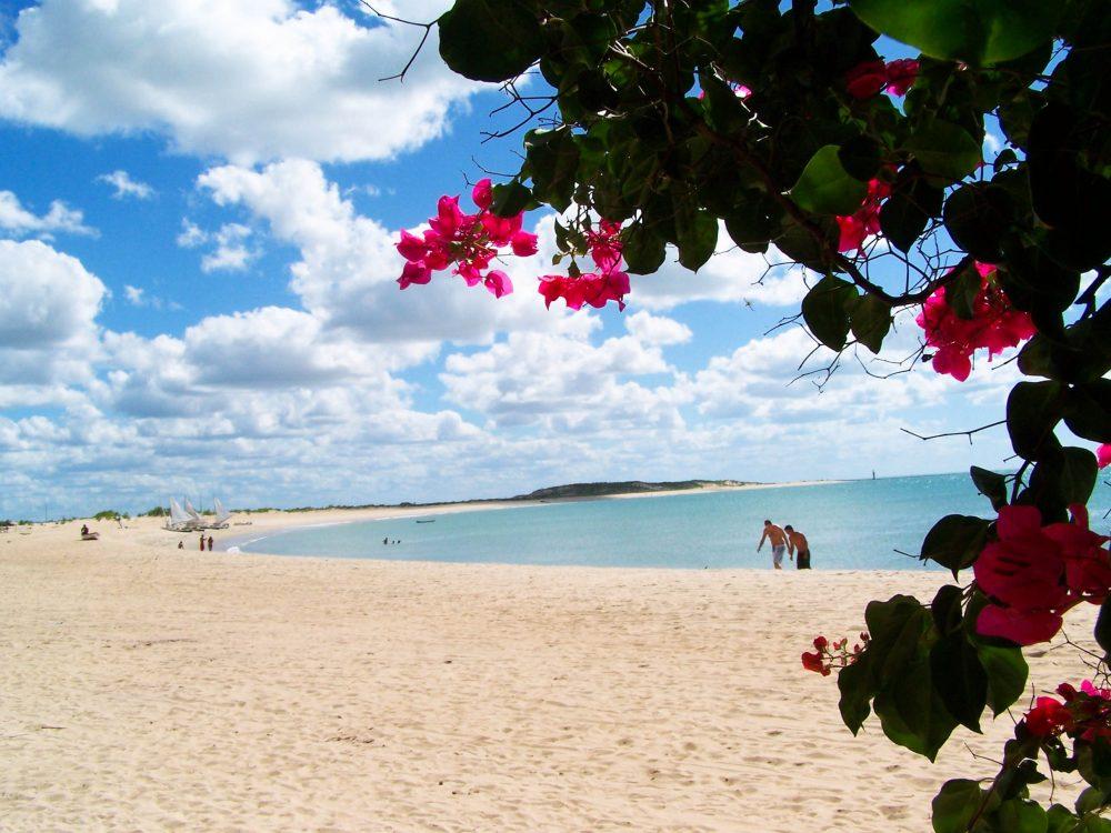 Visite Galinhos, um paraíso inexplorado no Rio Grande do Norte.